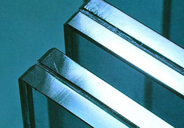 Saint-Gobain, производство ламинированного стекла