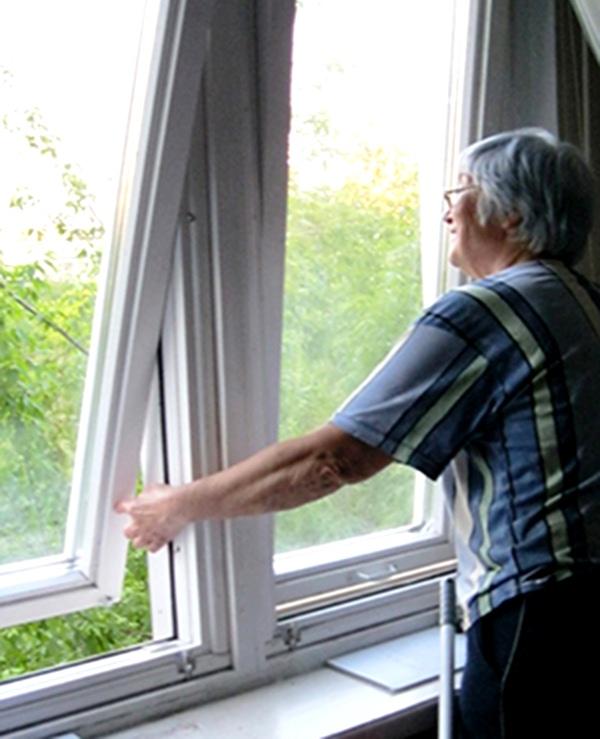 Деревянные окна с поворотными створками «Сибирское окно»
