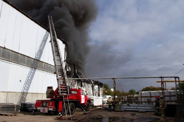 Пожар на складе комплектующих для производства ПВХ окон