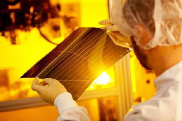 AGC, солнцегенерирующие пленки Heliatek, остекление фасадов, окна, евроокна