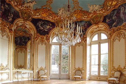 Окна в классическом французском интерьере
