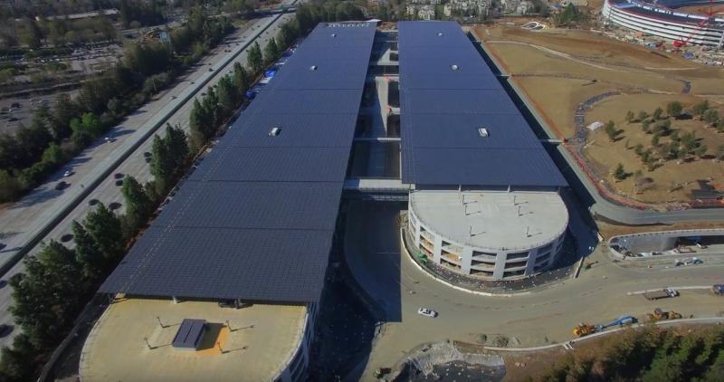 фото: солнечные панели устанавливают на всех крышах Кампуса-2