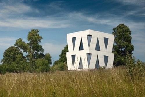 Геометрическое остекление дома Юлии Чичериной