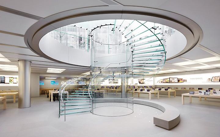 фото: лестница slow-run в здании Apple, стекло Sedak