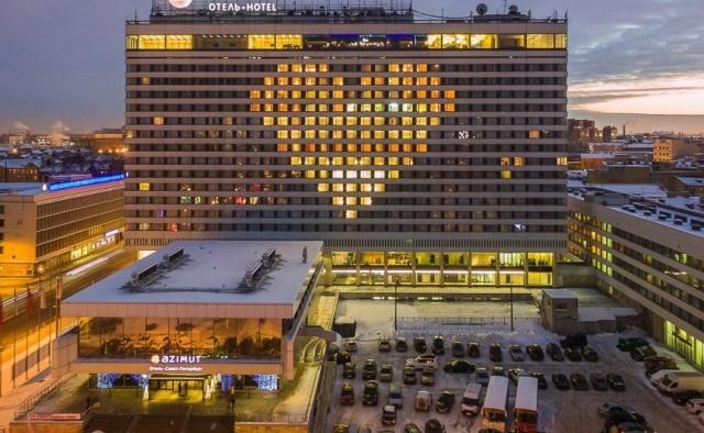 окна на фасаде, окна в форме сердца