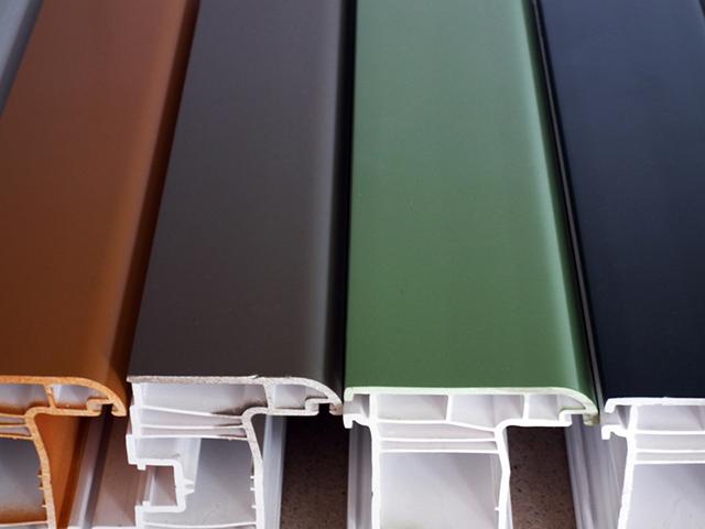 Цветные ПВХ окна под каждый фасад и интерьер
