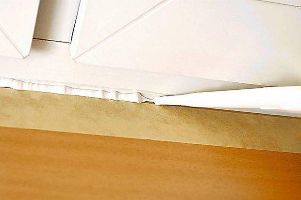 Монтаж накладки на подоконник