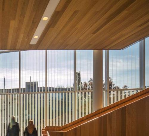 Интерьер университетского корпуса в Ванкувере