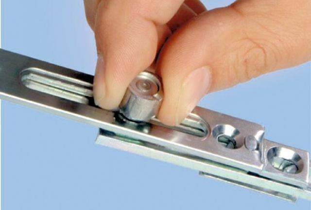 Техническое обслуживание систем фурнитуры, регулировка оконной фурнитуры