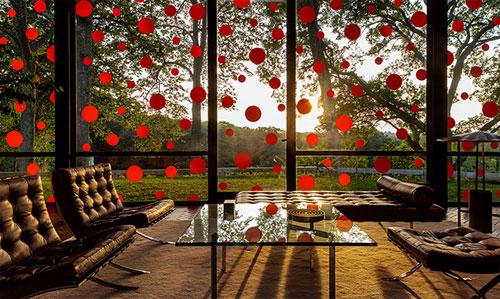 Много света через окна