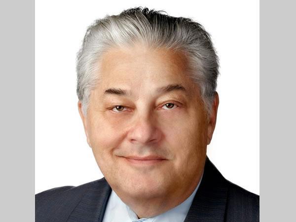 Рассел Дж. Эбейд возглавил Guardian Glass в 1985 году.
