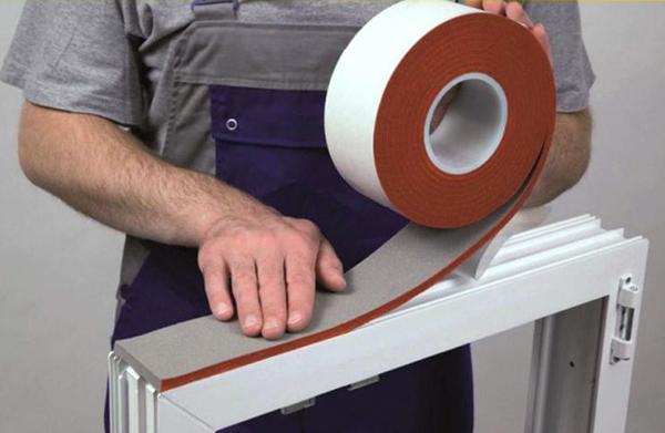 Уплотнительные ленты для «тёплого» монтажа окон, Soudal