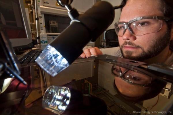 Солнцегенерирующие окна SolarWindow, New Energy Technologies