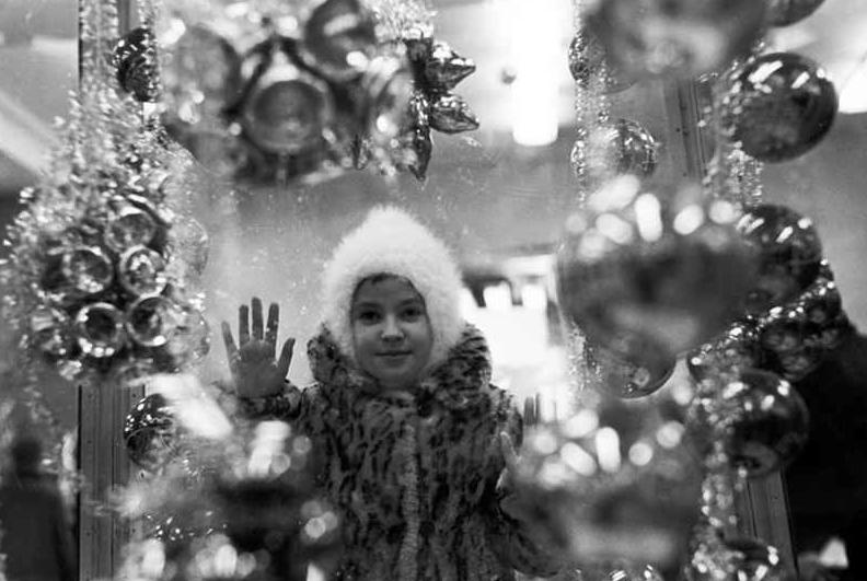 Белые снежинки и свечи в окне: традиции Рождества в России и Европе