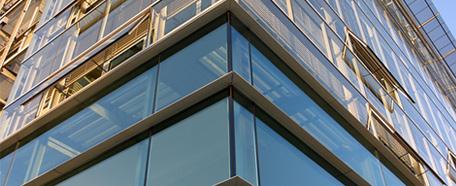 структурное остекление, безопасные стеклопакеты, окна из ПВХ и алюминия, фурнитура
